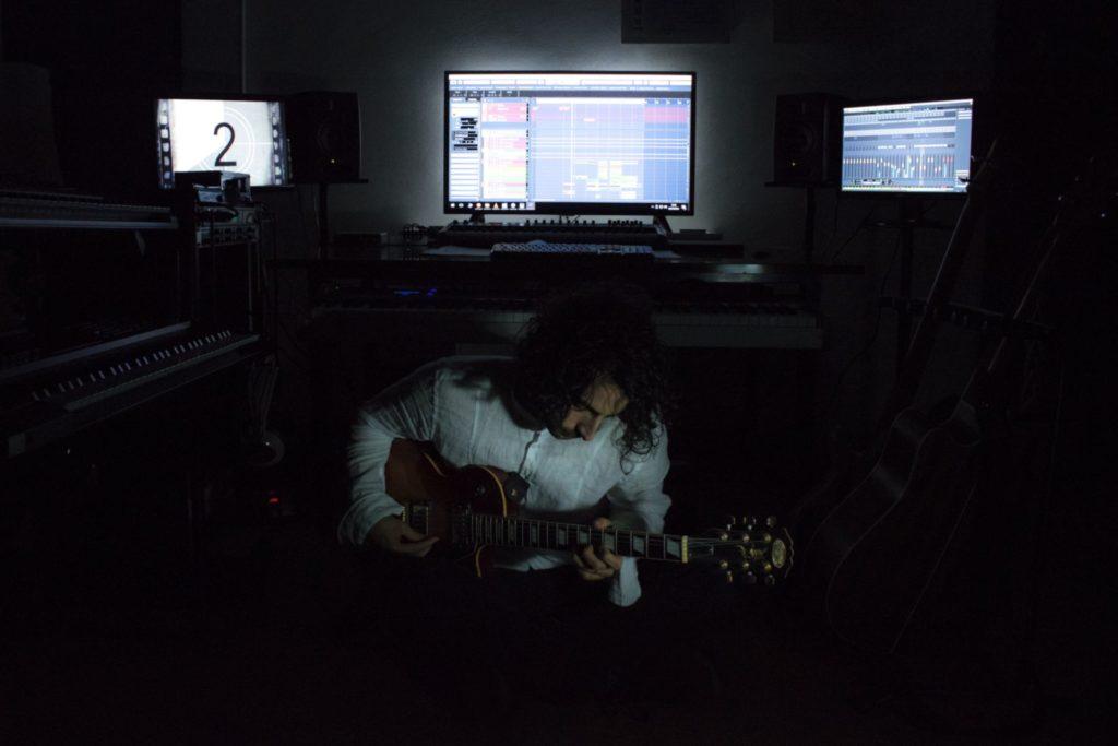 Simone Mosca playing
