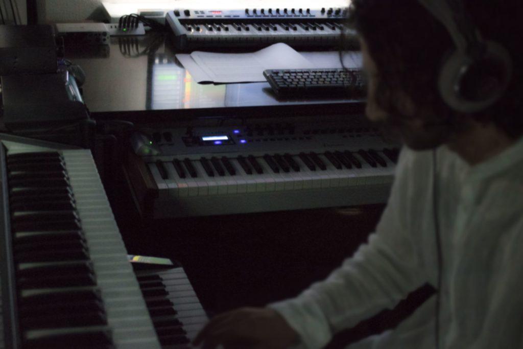 Simone Mosca playing piano